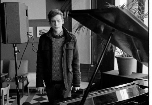 """21.08 – Hendrik Lasure interprète sa propre composition, """"Piano solo"""""""